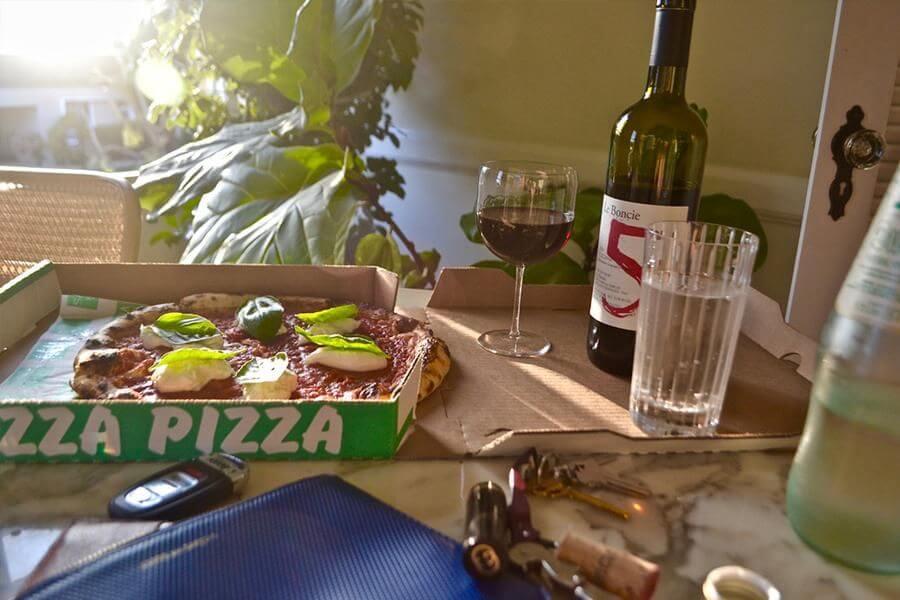 buy-wine-to-accompany-takeout