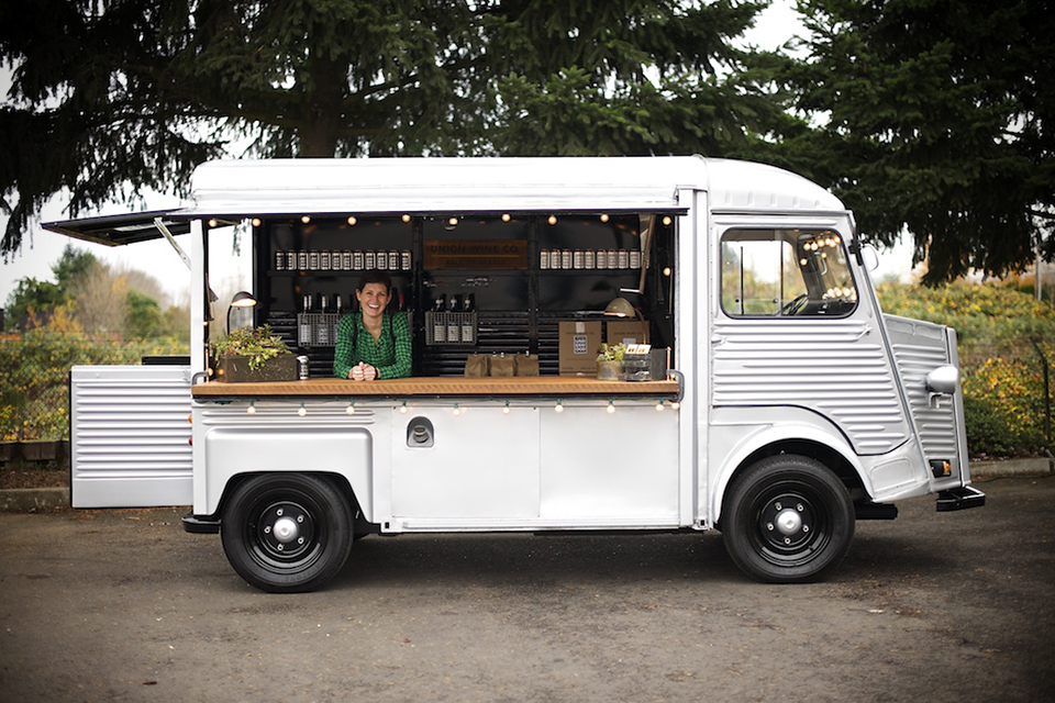 Wine-Tasting-Truck
